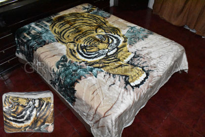 Foto de Cobija Peluche Matrimonial Reversible 2.40x1.80cm tigre/flores 36-5889 / 36-5891